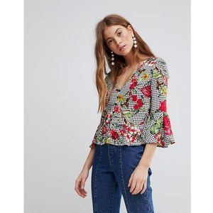 top with button front and peplum hem in floral gingham - multi marki Glamorous